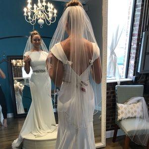 GORGEOUS WEDDING VEIL!